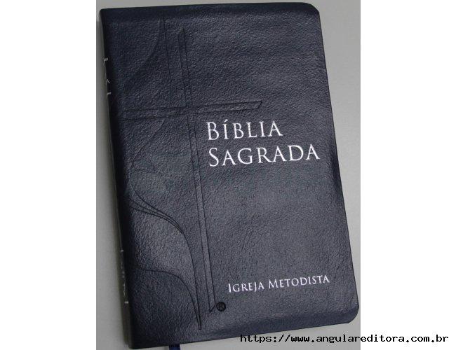 Bíblia com a Cruz e Chama